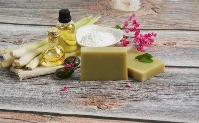 Ätherisches Öl Zitronengras: Pflanze, Herstellung, Anwendung