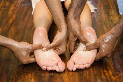 Ayurvedamassage mit vier Händen