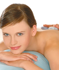 Edelstein-Massage auf dem Rücken