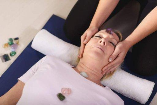 Edelsteinmassage