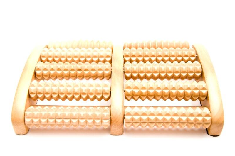 Fußmassagegerät mit Holzrollen