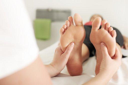 Massage der Fußreflexzonen