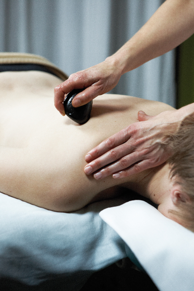 Hot Stone Schultermassage