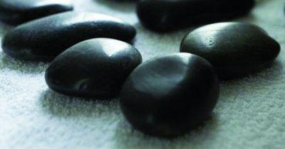 Hot Stones aus schwarzem Basalt von MASSAGE-EXPERT
