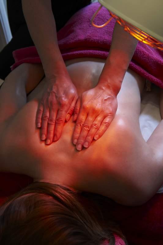 Infrarot-Massageliege