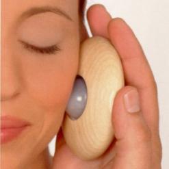 Joya Massage im Gesicht