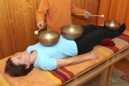 Klangmassage von Kopf bis Fuß