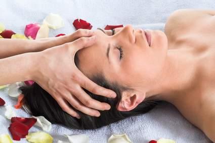 Kopfhaut-Massage