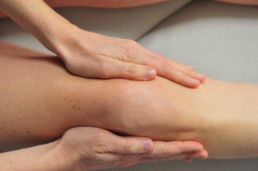 Lymphdrainage am Knie