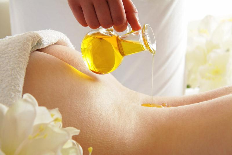 Massageöl in Karaffe