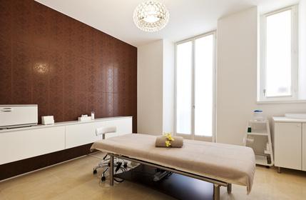 massagesalon zimmer zur durchf hrung einer massage. Black Bedroom Furniture Sets. Home Design Ideas