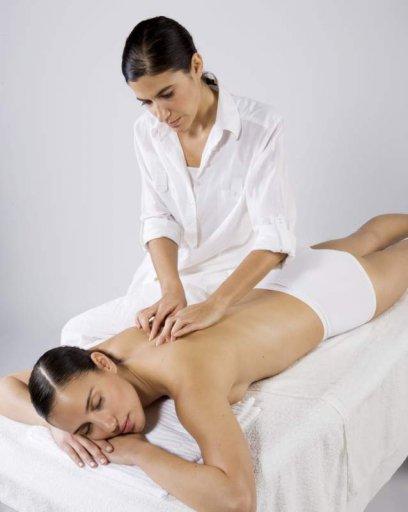 Medizinische Massage auf dem Rücken