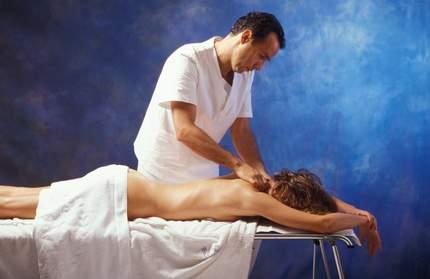Medizinische Massage in einem Wellnesshotel
