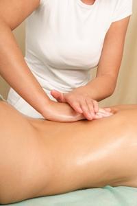 Muskelreflexzonenmassage am Rücken