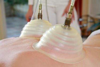 Pneumatische Pulsationsmassage am Rücken