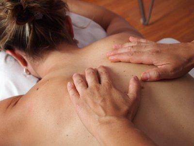 Woltuende Wellnessmassage oder Massage auf Rezept