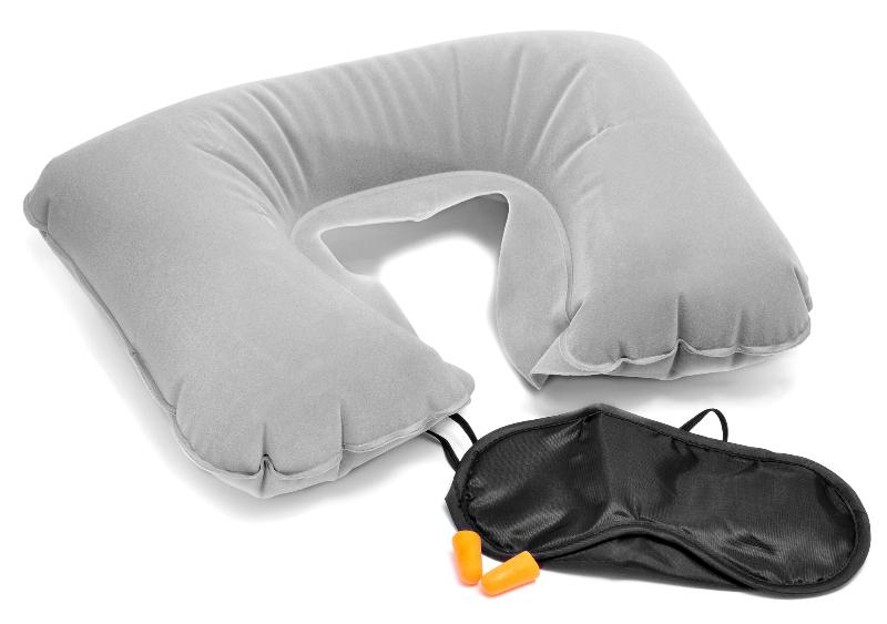 Schlafmaske und Reisezubehör z. B. im Flugzeug
