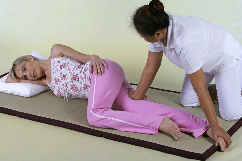 Shiatsu-Massage mit Handflächen