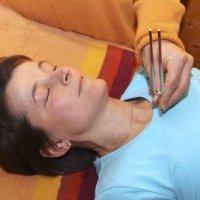 Tonpunktur: Mit Stimmgabeln erzeugte Vibrationen mit entspannenden Effekten