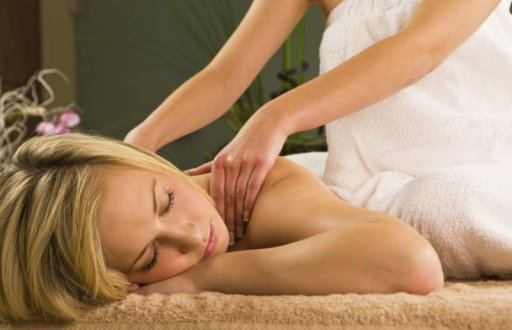 Wellness-Massage im Nacken