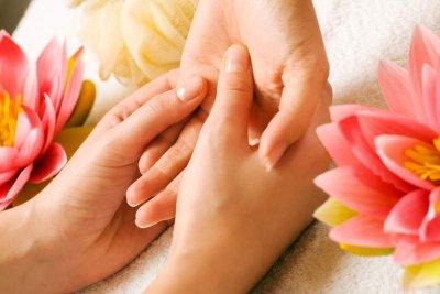 Zärtliche Dao Massage